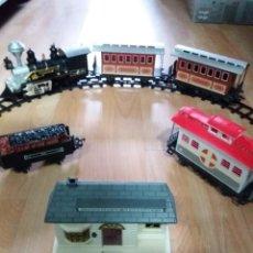 Trenes Escala: TREN LOCOMOTORA LUZ Y SONIDO 4 VAGONES GEOFFREY. Lote 227230160