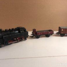 Trenes Escala: H0 LOCOMOTORA ANTIGUA TRIX EXPRESS H0 20/0/5 CON 2 VAGONES. Lote 228133750