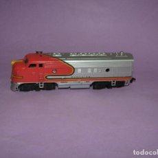 Trenes Escala: ANTIGUA LOCOMOTORA DIESEL SANTA FE EN ESCALA *H0* CORRIENTE CONTINUA. Lote 234382800