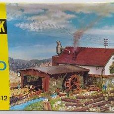 Trenes Escala: QUICK B 812 NUEVO, SIN MONTAR. MOTORIZADO. Lote 236360815