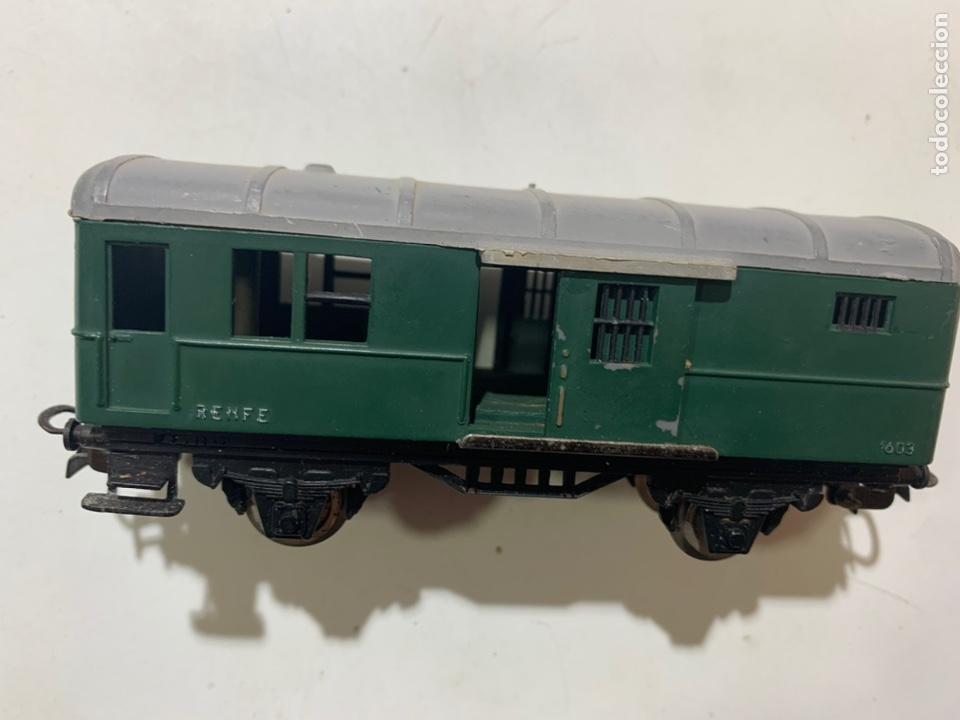 Trenes Escala: Vagón de mercancias para tren eléctrico Renfe escala H0 1603 jyesa - Foto 3 - 236878125