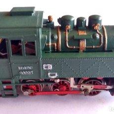 Trenes Escala: TRIX H0, LOCOMOTORA VAPOR. CONTINUA. CON LUZ, FUNCIONA. Lote 236975475