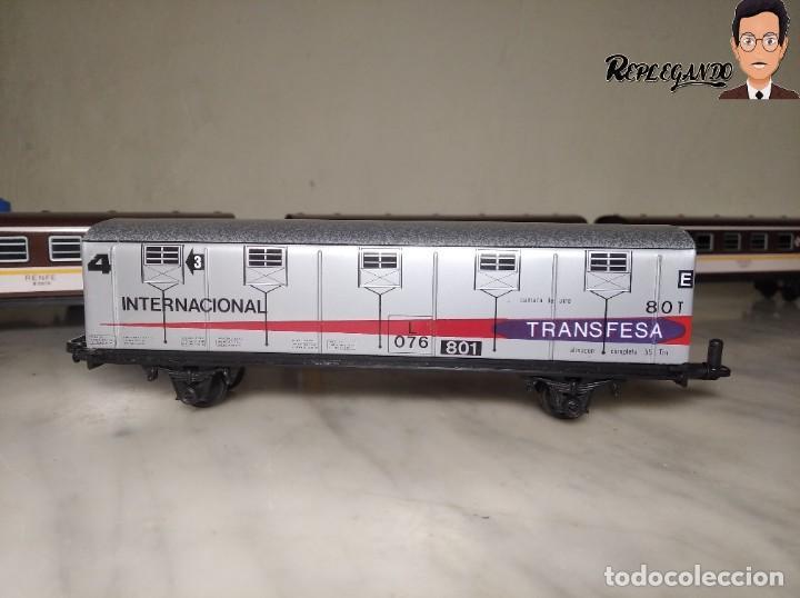 Trenes Escala: PEQUETREN DOBLE TREN VIAJEROS Y MERCANCIAS CON LUZ REF: 900 - TREN METÁLICO A PILAS (AÑOS 80) - Foto 12 - 237149755