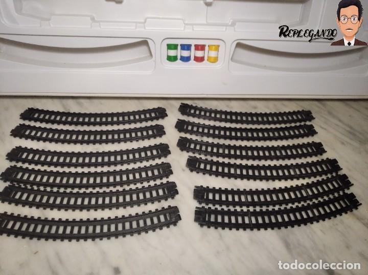 Trenes Escala: PEQUETREN DOBLE TREN VIAJEROS Y MERCANCIAS CON LUZ REF: 900 - TREN METÁLICO A PILAS (AÑOS 80) - Foto 25 - 237149755