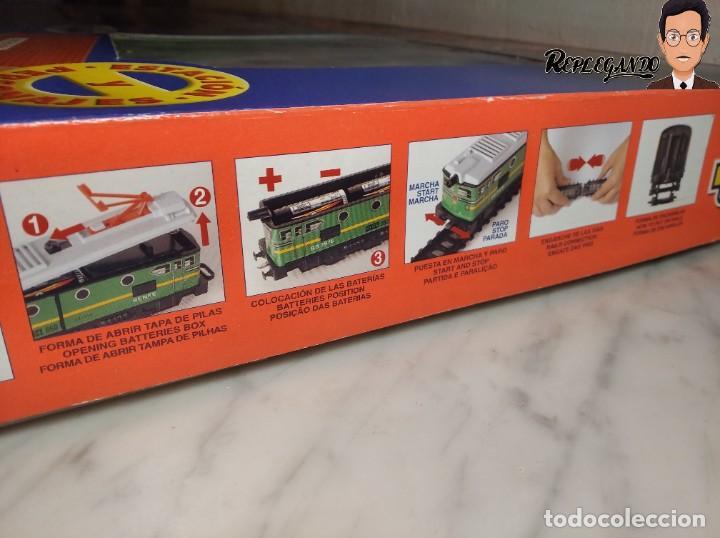 Trenes Escala: PEQUETREN DOBLE TREN VIAJEROS Y MERCANCIAS CON LUZ REF: 900 - TREN METÁLICO A PILAS (AÑOS 80) - Foto 34 - 237149755