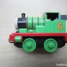 Trenes Escala: MAQUINA DE TREN PERCY DE THOMAS AND FRIENDS 2002. Lote 241737975