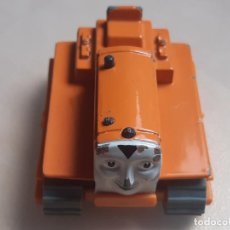 Trenes Escala: THOMAS THE TANK ENGINE AND FRIENDS ERTL 1992 TERENCE EL TRACTOR TRENES. Lote 245039000
