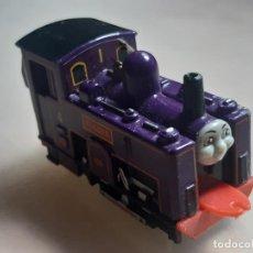 Trenes Escala: THOMAS THE TANK ENGINE AND FRIENDS ERTL 1995 LOCOMOTORA MONTAÑA CULDEE TRENES. Lote 245039445
