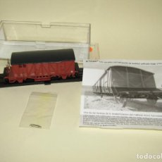 Trains Échelle: VAGÓN CERRADO CON BALCONCILLO COLOR ROJO ÓXIDO DE KTRAIN. Lote 245232080