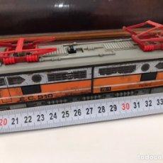 Trenes Escala: LOCOMOTORA Y VAGÓN RENFE (DESCRIPCIÓN EN LAS IMÁGENES). Lote 246078865
