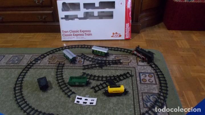 Trenes Escala: TREN CON LUZ SONIDO MARCHA ADELANTE Y ATRAS,COMPLETO Y EN SU CAJA, EL TREN COMO NUEVO - Foto 2 - 251468365