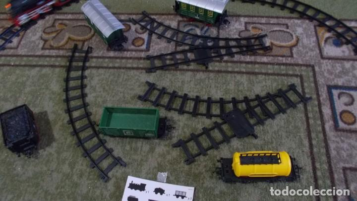 Trenes Escala: TREN CON LUZ SONIDO MARCHA ADELANTE Y ATRAS,COMPLETO Y EN SU CAJA, EL TREN COMO NUEVO - Foto 5 - 251468365