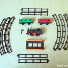 Trenes Escala: ANTIGUO TREN A CUERDA GEYPER, LOCOMOTORA BASE DE CHAPA. AÑOS 60 - 70. Lote 253551845
