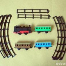 Trenes Escala: ANTIGUO TREN A CUERDA GEYPER LOCOMOTORA Y 3 VAGONES.AÑOS 60 - 70. Lote 253552415