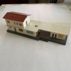 Trenes Escala: CONSTRUCCION. HO. MONTADA ESTACION. Lote 255980130