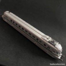 Trenes Escala: LOCOMOTORA AS FRANCIA AUTOMOTOR RENAULT RENFE 9322 ESCALA H0. Lote 257587000