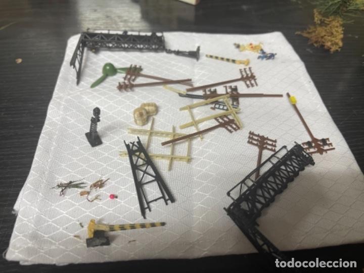 Trenes Escala: lote estacion tren Diorama ,casas túneles estación muñecos maquetas tren,ibertren? - Foto 2 - 262918250