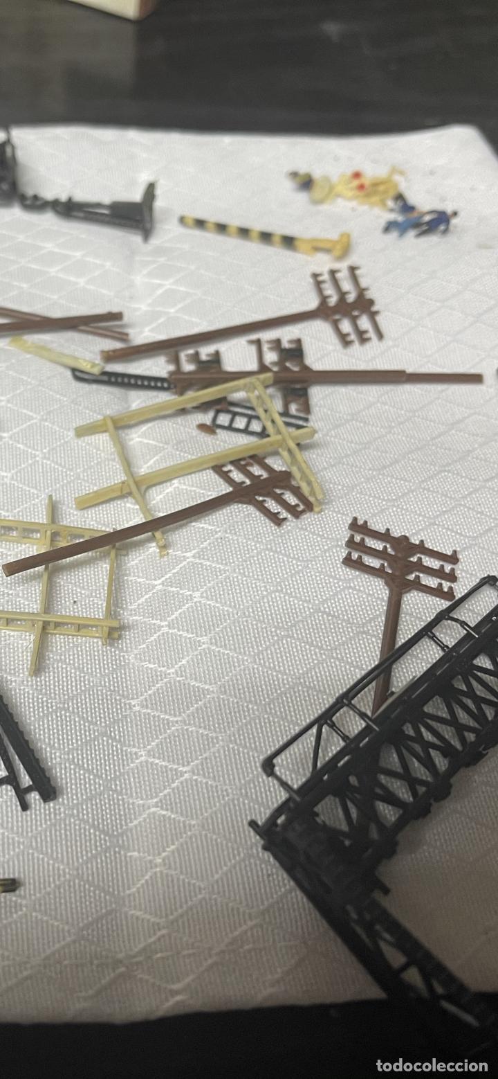 Trenes Escala: lote estacion tren Diorama ,casas túneles estación muñecos maquetas tren,ibertren? - Foto 42 - 262918250