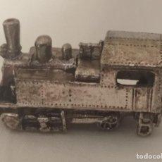 Trenes Escala: LOCOMOTORA EN MINIATURA CON BAÑO DE PLATA.. Lote 269318128