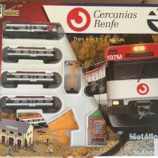 Trenes Escala: TREN METÁLICO ELÉCTRICO CON VÍAS 150 X 100 CM RENFE CERCANÍAS. Lote 277441423