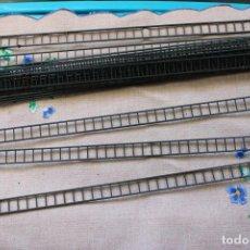 Trenes Escala: 17 ESCALERAS DE PLÁSTICO PARA EL MONTAJE DE MODELOS DE ESTACIONES DE TREN. Lote 283392803