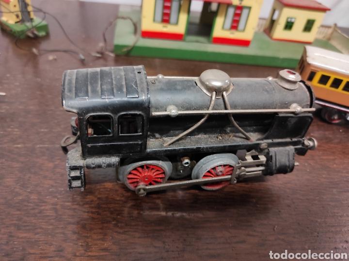 Trenes Escala: Lote juguetes tren locomotoras estación Payá - Foto 2 - 287995773