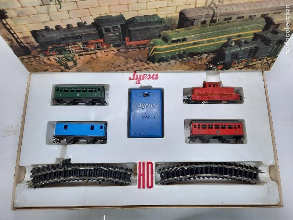 Trenes Escala: JYESA LOCOMOTORA ROJA Y VAGONES MODELO 1940 TREN FERROCARRIL ESCALA H0 FUNCIONANDO !! - Foto 2 - 288950283