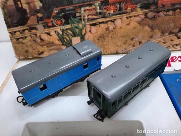 Trenes Escala: JYESA LOCOMOTORA ROJA Y VAGONES MODELO 1940 TREN FERROCARRIL ESCALA H0 FUNCIONANDO !! - Foto 10 - 288950283