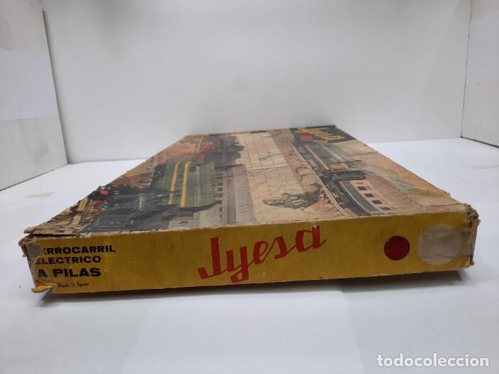 Trenes Escala: JYESA LOCOMOTORA ROJA Y VAGONES MODELO 1940 TREN FERROCARRIL ESCALA H0 FUNCIONANDO !! - Foto 21 - 288950283