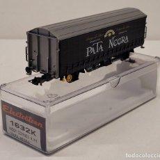 Trenes Escala: ELECTROTREN- VAGÓN DE MERCANCÍAS CERRADO 'PATA NEGRA' REFERENCIA 1632K, ESCALA H0 NUEVO. Lote 289478973