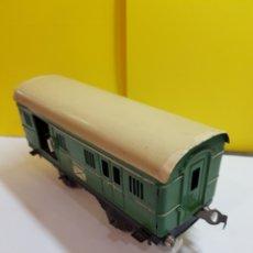 Trenes Escala: ANTIGUO VAGÓN DE HOJALATA CORREOS RESTAURADO. Lote 293888053