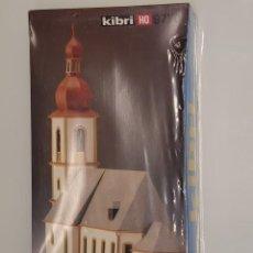 Comboios Escala: KIBRI- KIT CONTRUCCIÓN IGLESIA REFERENCIA 9770. ESCALA H0 NUEVO. Lote 294812018