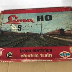 Trenes Escala: JUGUETE ANTIGUO TREN ELECTRICO SIMA 125V. Lote 295531303