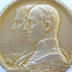 Trofeos y medallas: EXPOSICIÓN UNIVERSAL DE 1929 EN BARCELONA. GRAN MEDALLA EN PLATA SOBREDORADA. CON SU ESTUCHE. Lote 23644887
