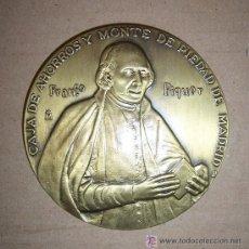 Trofeos y medallas: FRANCISCO PIQUER III CENTENARIO CAJA DE AHORROS Y MONTE DE PIEDAD DE MADRID 1702 2002. Lote 25293391