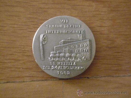 Trofeos y medallas: VII SEMANA DE CINE INTERNACIONAL DE MELILLA 1982 - Foto 2 - 30369235