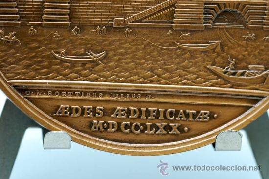 Trofeos y medallas: Medalla bronce dorado Francia Ludovicus XV 1770 visita del rey a la casa de la moneda - Foto 6 - 27963861
