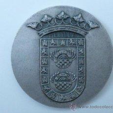 Trofeos y medallas: MEDALLA DE LA V SEMANA INTERNACIONAL DE CINE DE MELIILA AÑO 1980. Lote 30393050