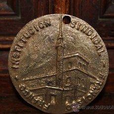 Trofeos y medallas: MEDALLA XV PROMOCIÓN MÁLAGA INSTITUCIÓN SINDICAL FRANCISCO FRANCO. Lote 30991108