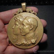 Trofeos y medallas: MEDALLA EXPOSICIÓN HISPANO FRANCESA. ZARAGOZA. 1908. BRONCE DORADO.. Lote 31862513