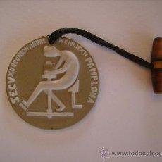 Trofeos y medallas: MEDALLA DE CERAMICA-SECV, XII REUNION,PAMPLONA AÑO 1972-DIAMETRO 5 CM.. Lote 35973251