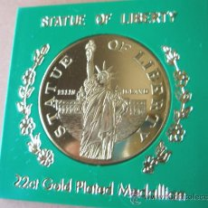 Trofeos y medallas: MONEDA DE U.S.A.-ESTATUA DE LA LIBERTAD-38 MM.D-CAJA--.. Lote 37954935
