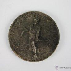 Trofeos y medallas: M-076. MEDALLA EN METAL PLATEADO GRAN PREMIO MARLBORO TENIS. 1975. . Lote 39937212