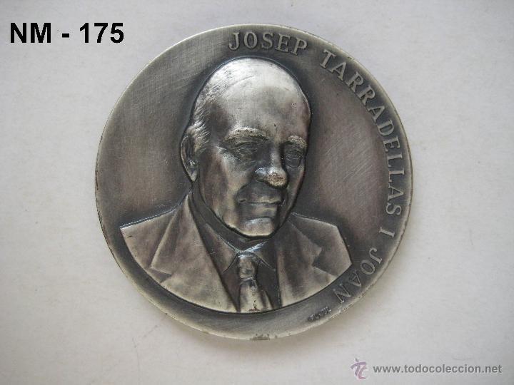 MEDALLA CONMEMORATIVA DE LA ENTREGA DE LA MEDALLA DE ORO DE BARCELONA A JOSEP TARRADELLAS 1987. (Numismática - Medallería - Trofeos y Conmemorativas)