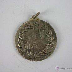 Trofeos y medallas: M-181. MEDALLA EN METAL PLATEADO. CURSO INICIACION DEPORTIVA PICADERO. 1969. . Lote 40029640