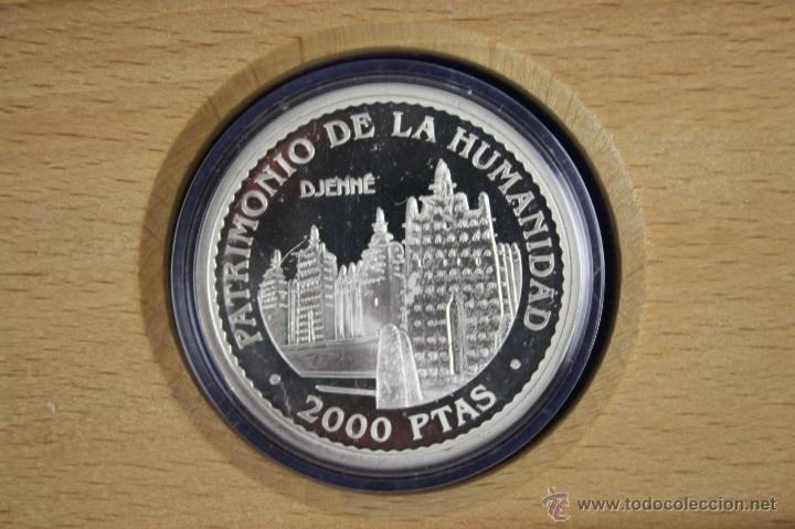 Trofeos y medallas: M-225 - 2000 PTAS - PLATA - UNESCO - 1996 - DJENNÉ - PATRIMONIO DE LA HUMANIDAD - ESTUCHE - Foto 3 - 40924782