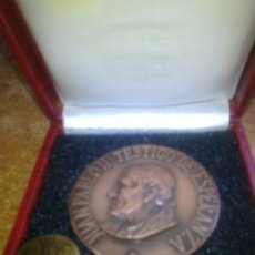 Trofeos y medallas: .MEDALLA CONMEMORATIVA OFICIAL BEATIFICACION SOR ANGELA DE LA CRUZ POR JUAN PABLO II, EN SEVILLA +. Lote 41247181