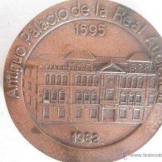 Trofeos y medallas: MEDALLA BRONCE 50 ANIV. CAJA AHORROS SAN FERNANDO SEVILLA. Lote 41601100