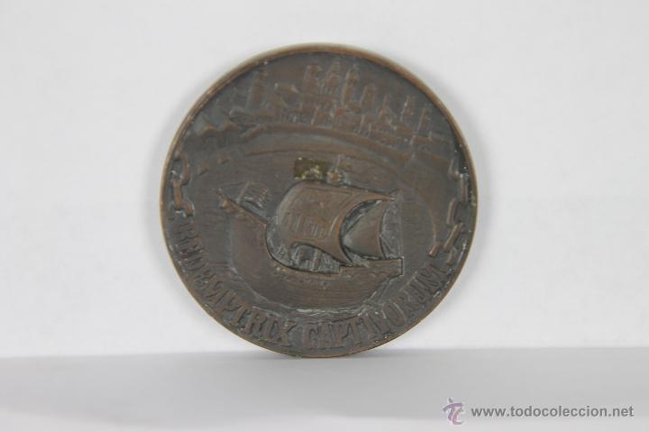 M-257. MEDALLA EN BRONCE AYUNTAMIENTO DE BARCELONA 1218, 1868, 1968, (Numismática - Medallería - Trofeos y Conmemorativas)