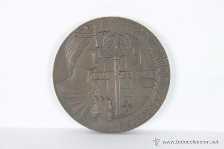 Trofeos y medallas: M-257. MEDALLA EN BRONCE AYUNTAMIENTO DE BARCELONA 1218, 1868, 1968, - Foto 2 - 42590118